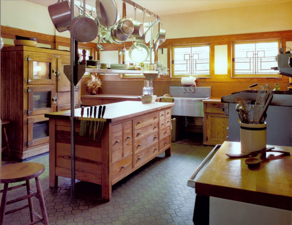 Kitchen growing up in a frank lloyd wright house by kim for Frank lloyd wright kitchen ideas
