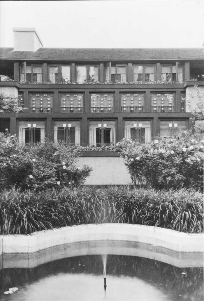 1918 - Exterior - Dining Room